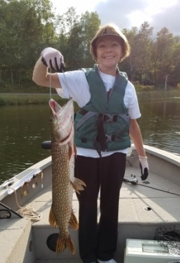 Deanna V. caught and released this nice 32-inch pike on Benoit Lake, in September 2019.